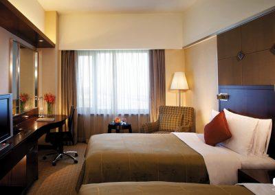 Free-hotel-bedroom-HOTEL-DARiUS